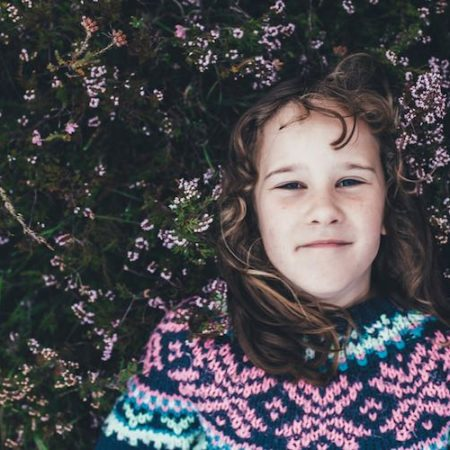 Duże kompendium wiedzy o terapii małych ludzi. Jak wspierać dzieci w wieku 3-12 lat w radzeniu sobie z trudnościami. POZIOM ZAAWANSOWANY